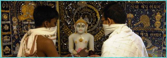 पूजा के वस्त्र सम्बंधित आवश्यक जानकारियां